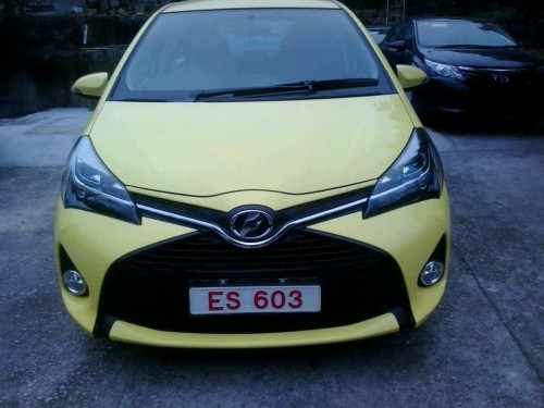 新車 Toyota vitz 2014